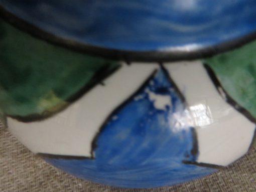 Detail paint flake